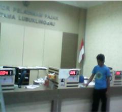 Antrian kantor pajak riau
